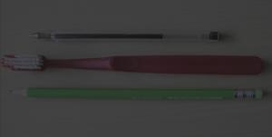 7emezzastudio.it-grafica e web, spazzolino, penna, matita