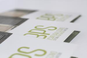 Logo aziendale bps e close-up brochure Bps